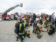 Пожарные учения с применением пожарных автолестниц ВИТАНД МАГИРУС стандартного исполнения и с сочлененным коленом на Комплексной Безопасности 2021